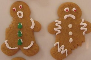 Chewed_gingerbread_men_2